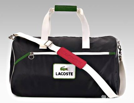 Sportovní kabelky – Lacoste (http://www.oblectese.cz)