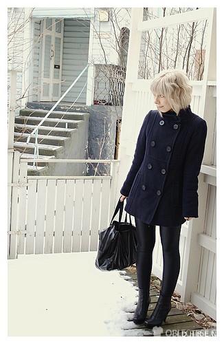 Černá kabát anglického stylu, autor: Idhren