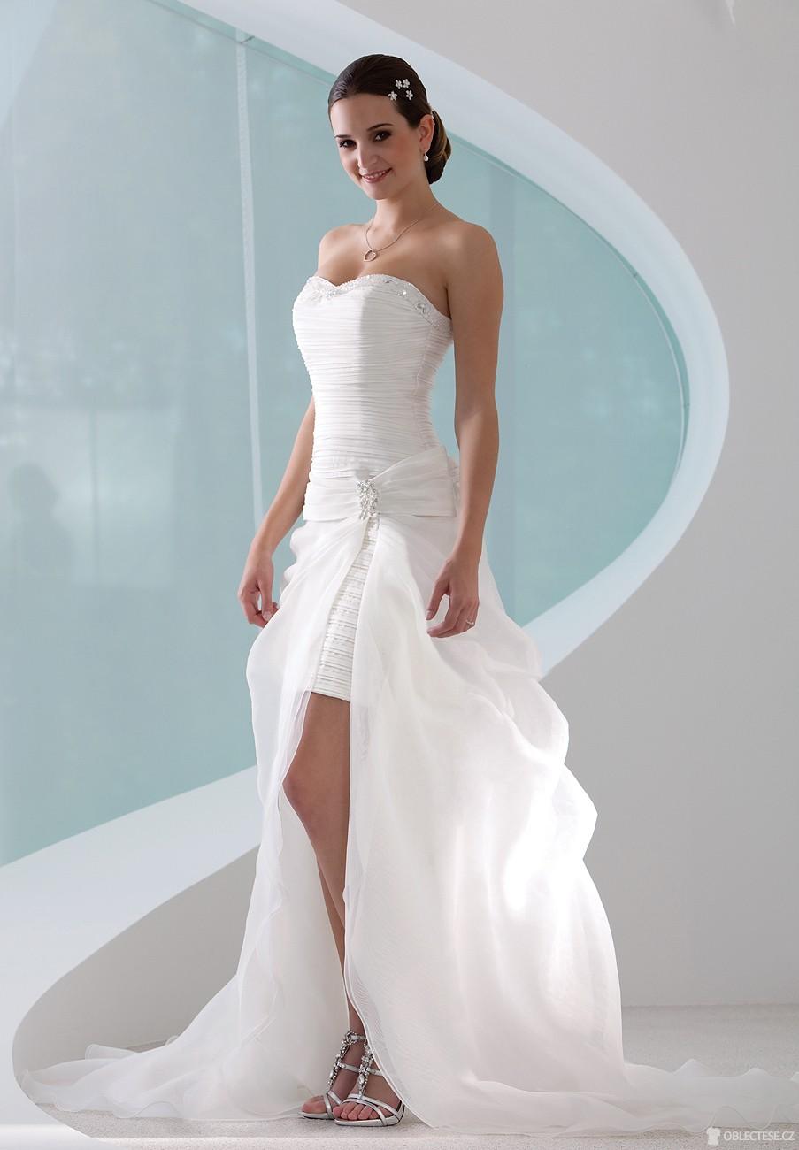 14763ef2b59 Luxusní šaty pro každý nezapomenutelný okamžik — Oblectese.cz